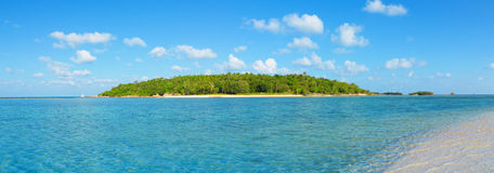 Small tropical island Royalty Free Stock Photos