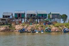 A small village of fishermen with a pile houses tonlesap Royalty Free Stock Photos