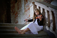 Small violinist Royalty Free Stock Photography