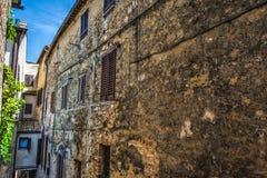 Smalle backstreet in Toscanië royalty-vrije stock foto