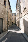 Smalle oude Europese straat Royalty-vrije Stock Fotografie