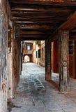 Smalle passage Royalty-vrije Stock Afbeeldingen