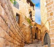 Smalle steenstraten van oud Tel Aviv Stock Foto