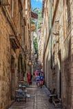 Smalle straat in Dubrovnik, Kroatië Royalty-vrije Stock Afbeelding
