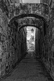 Smalle Straat in Gozo stock afbeeldingen