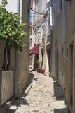 Smalle straat in het stadscentrum royalty-vrije stock foto's