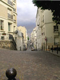 Smalle straat met keibestrating Royalty-vrije Stock Foto's