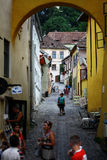Smalle straat in Sighisoara Royalty-vrije Stock Afbeelding