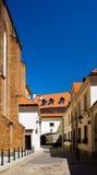 Smalle straat van oude stad in Europa Stock Foto's