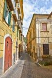 Smalle straten in de middeleeuwse stad van Arpino, in Italië royalty-vrije stock afbeelding