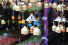 Smalls dzwonkowa wisząca ozdoba dla ładnego ogródu lub sklepu Fotografia Royalty Free