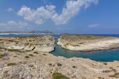 smalt hav för kanalmilos Arkivfoton