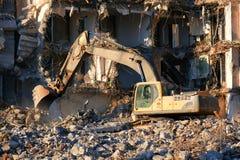 Smantellamento idraulico della costruzione dell'escavatore fotografia stock