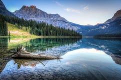 Smaragd sjö royaltyfri bild