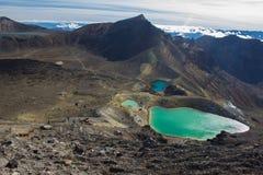 Smaragd sjöar av Tongariro den alpina korsningen Royaltyfri Fotografi