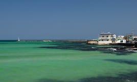 Smaragdfarbozean in Jeju-Insel, Südkorea Lizenzfreie Stockbilder