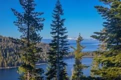 Smaragdgroene Baai, Meer Tahoe stock afbeeldingen