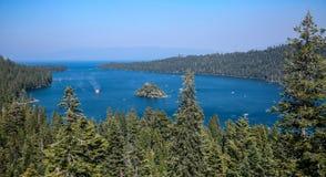 Smaragdgroene Baai, Meer Tahoe E stock foto