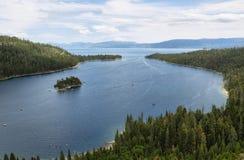 Smaragdgroene baai in Tahoe-meer stock foto's