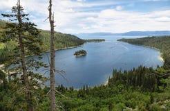 Smaragdgroene baai in Tahoe-meer royalty-vrije stock afbeelding