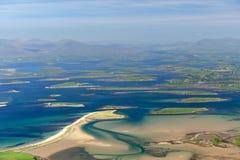 Smaragdinseln im Ozeanschacht lizenzfreie stockfotografie
