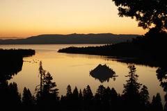Smaragdschacht-Sonnenaufgang Stockfotos