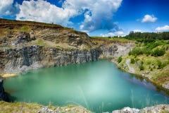 Smaragdsjön av Racos, Brasov län Royaltyfri Bild