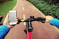 Smarphone app χρήσης για τη ναυσιπλοΐα Στοκ Φωτογραφία