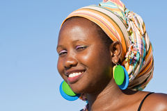 Smart afrikansk kvinna Royaltyfria Bilder
