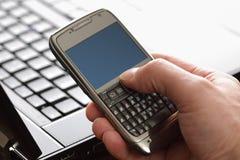 smart använda för telefon Arkivfoton