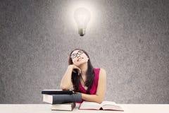 Smart högskolestudent Arkivfoto