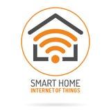 Smart hem och internet av sakerlogoen vektor illustrationer