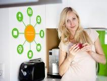 Smart hemapparat - hem- kontroll Fotografering för Bildbyråer