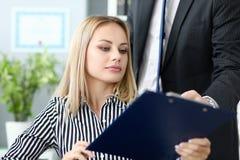 Smart kvinnlig sekreterare royaltyfria foton