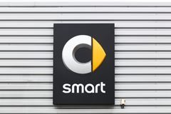 Smart logo på en vägg Royaltyfri Bild