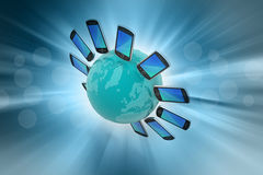 Smart Phone intorno al globo Fotografia Stock
