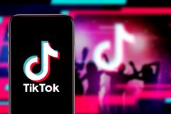 Free Smart Phone With TIK TOK Logo, Which Is A Popular Social Network On The Internet. United States, Canada, Wednesday, November 27, 2 Royalty Free Stock Images - 170019379