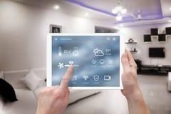 Smart system för fjärrkontrollhemkontroll app royaltyfri fotografi