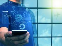 Smart telefon för handinnehav, affärsteknologibegrepp arkivbild