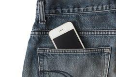 Smart telefon i jean Royaltyfri Foto