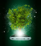 Smart telefon med det magiska gröna trädet och strålar av stock illustrationer