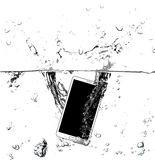 Smart telefon på vatten Royaltyfri Fotografi