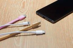 Smart telefonuppladdning för mobil Royaltyfri Fotografi