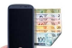 Smartphone και βραζιλιάνοι λογαριασμοί - μέτωπο Στοκ φωτογραφία με δικαίωμα ελεύθερης χρήσης
