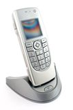 smartphone χρέωσης Στοκ φωτογραφία με δικαίωμα ελεύθερης χρήσης