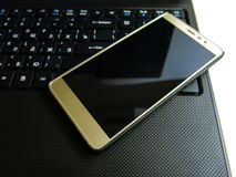 Smartphone и тетрадь Стоковая Фотография RF