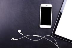 Smartphone, таблетка и наушник пустого экрана Стоковые Фото