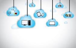Smartphone accrochant d'appareil-photo d'ordinateur portable de nuages Photographie stock
