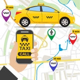 Smartphone avec l'application de service de taxi Photographie stock libre de droits