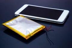 Smartphone bateryjna nabrzmiałość Fotografia Royalty Free